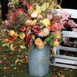 rustic-woods-wedding-autumn-hued-flowers