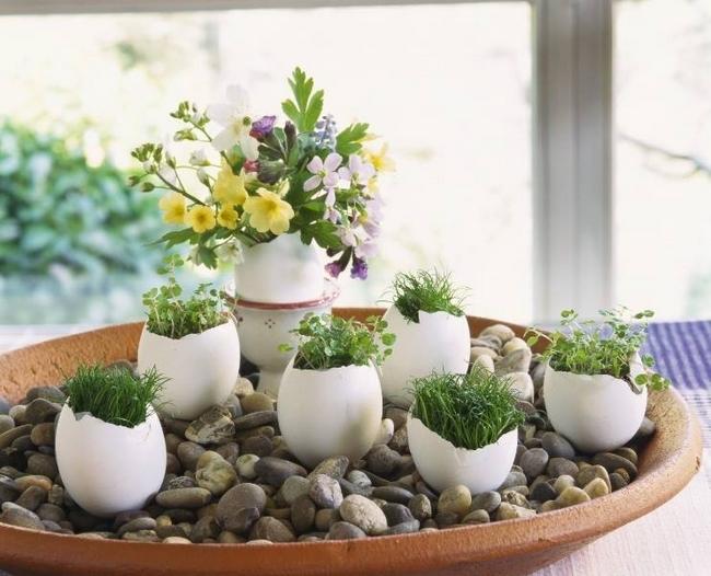 diy-spring-easter-home-decor-egg-shell-vases-pebbles-flowers-cress-creative-diy-home-decorating-ideas