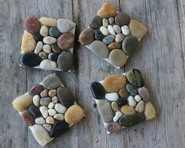 home-decor-with-pebbles