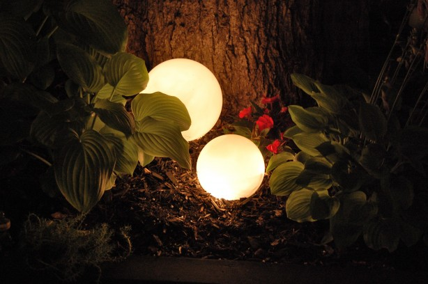 Make-Your-Own-Glowing-Orbs