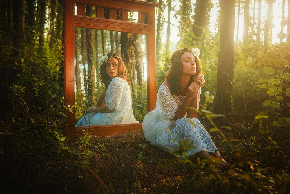 sieviete_spogulis