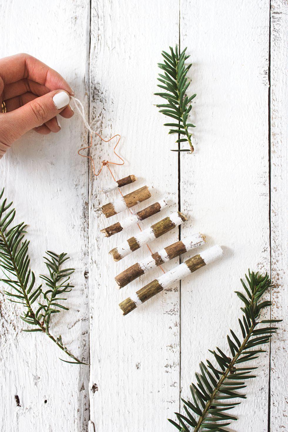 holiday-decor-ideas-mini-tree