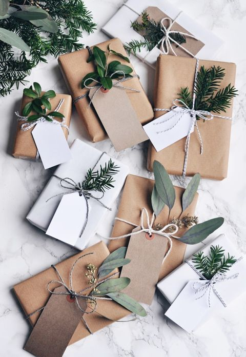 holiday-decor-ideas-wrapping-paper