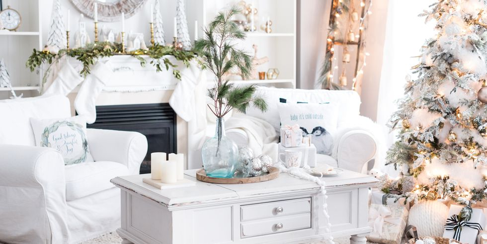 holiday-decor-small-space-lead-1505838710